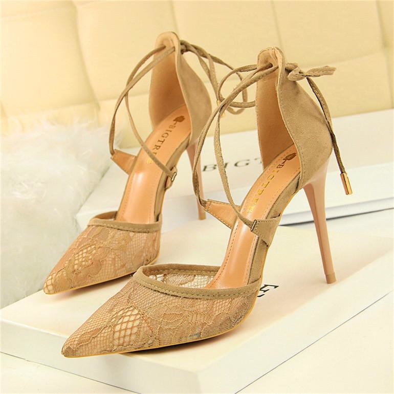 Women Floral Lace Mesh Heel Shoes - FashionzR4U