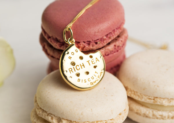 The Perfect Jewelry Gift for Tea-lovers: Rich Tea Pendant