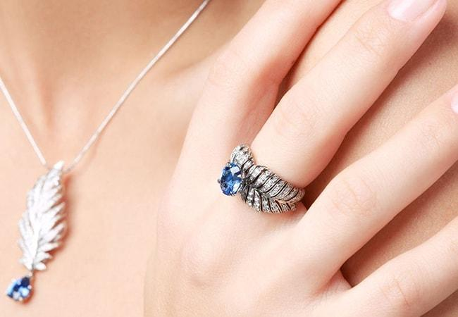 How to Wear Sapphire Rings this September