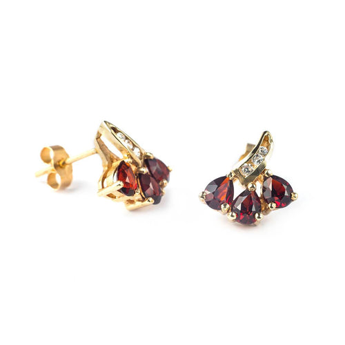 9kt Yellow Gold Flower Earrings With Garnet Stones