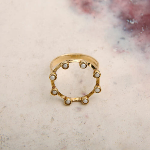 9kt Yellow Gold Pearl Stud Circle Ring
