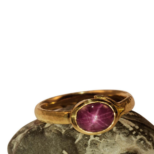 Yellow Gold & Ruby-Star Ring | Goldspindel