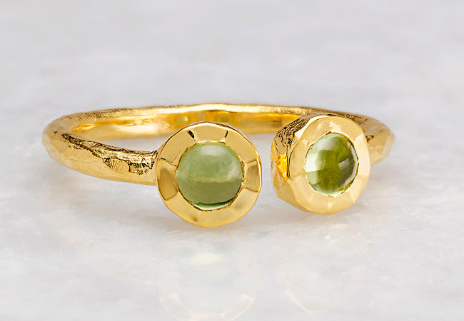 A Guide to Wearing Peridot JewelryREAD MORE