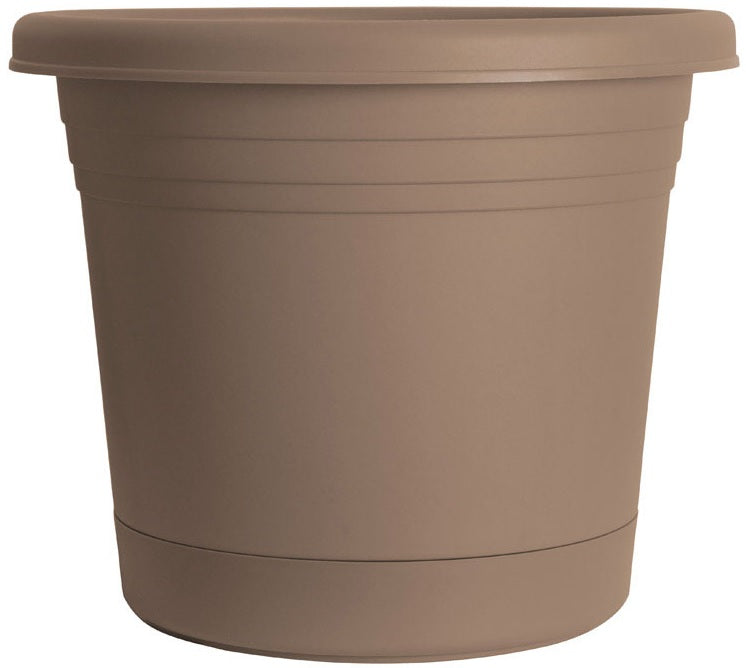 buy planters & pots at cheap rate in bulk. wholesale & retail garden edging & fencing store.
