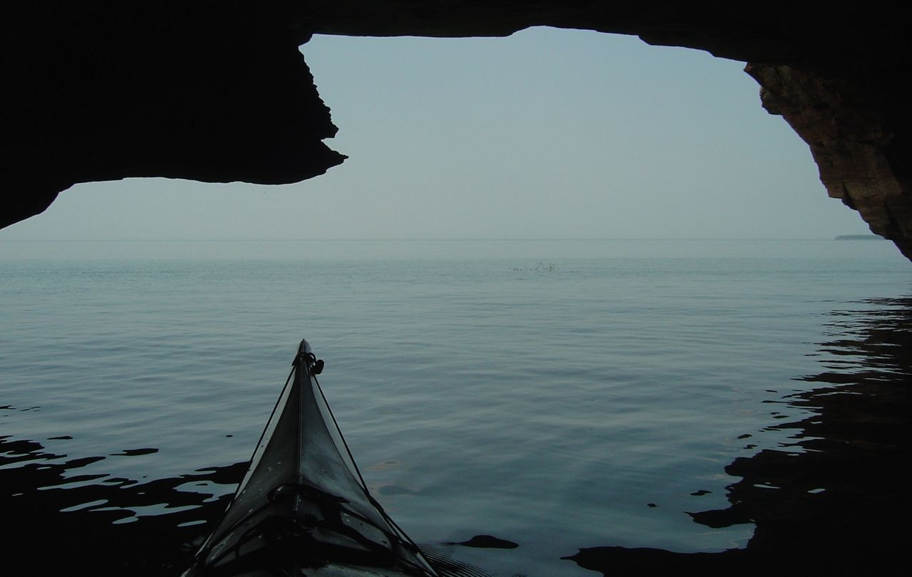apostle islands kayaking lake superior