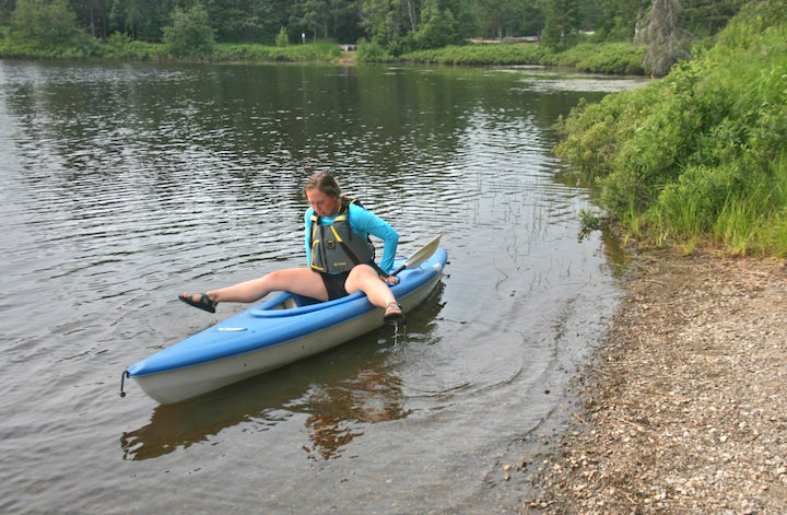 how to get in your kayak without your paddle