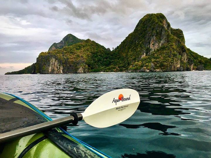 aquabound's manta ray hybrid kayak paddle