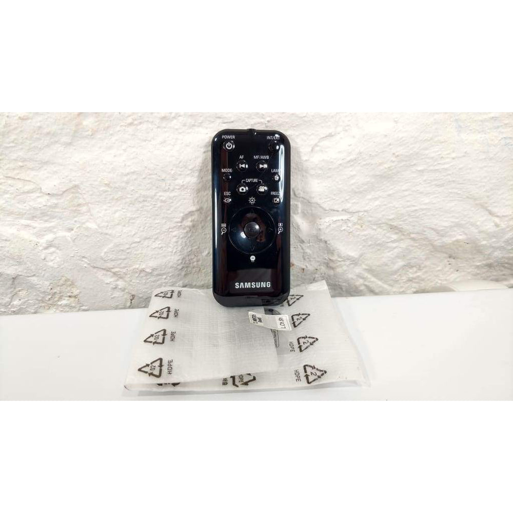 Samsung CD20 Projector Remote Control w/ New Battery. - Remote Controls