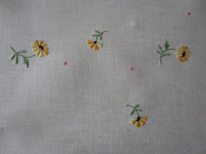 Vintage Embroidered Table Cloth and Napkin Set