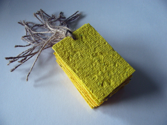 yellow place cards