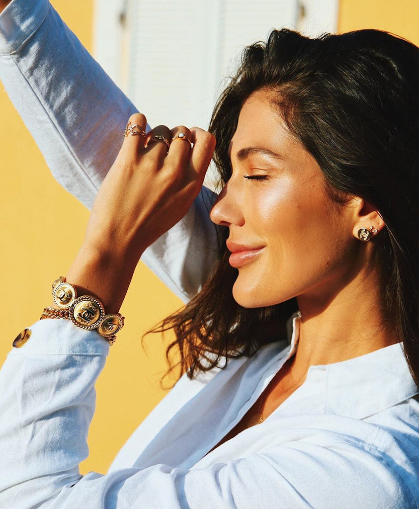 SARA MONTAZAMI WEARING WEEKEND IN TAORMINA CROWN OF LAURELS ADJUSTABLE RING