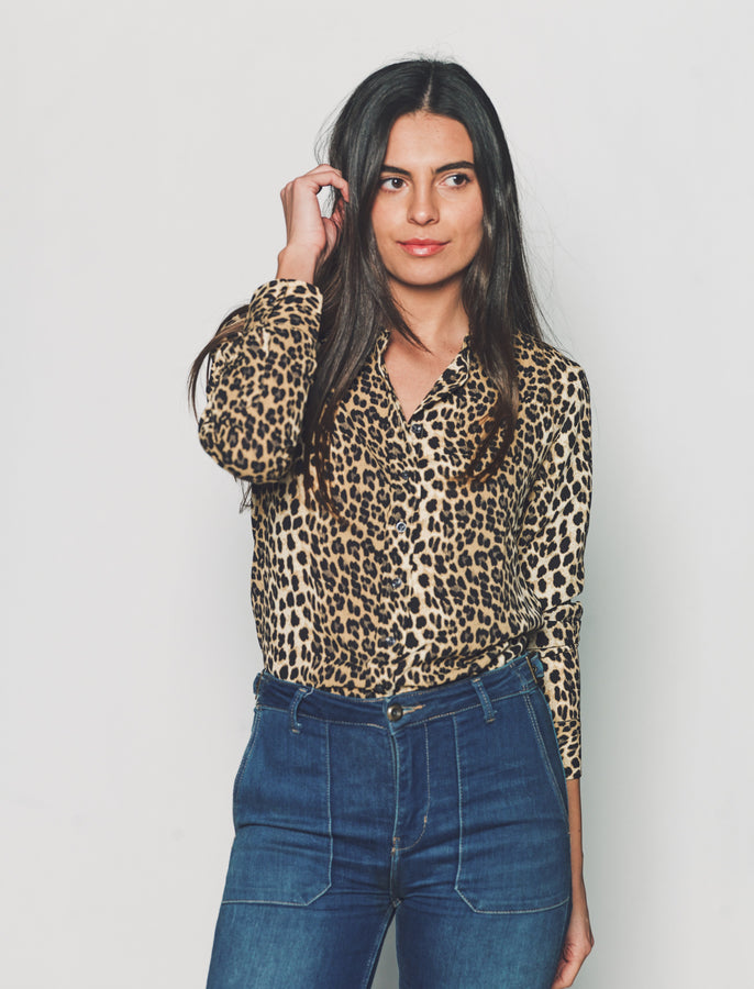 Womens Leopard The Signature Shirt in Leopard (small print)