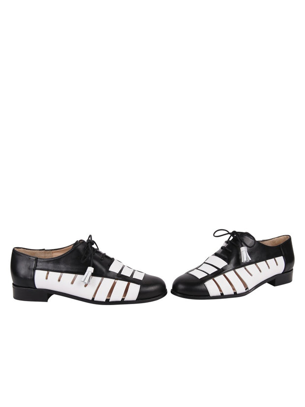 Womens Black/White Talk 7
