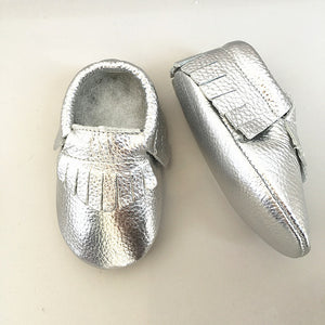 Metallic silver real leather baby moccasins with fringe soft children footwear