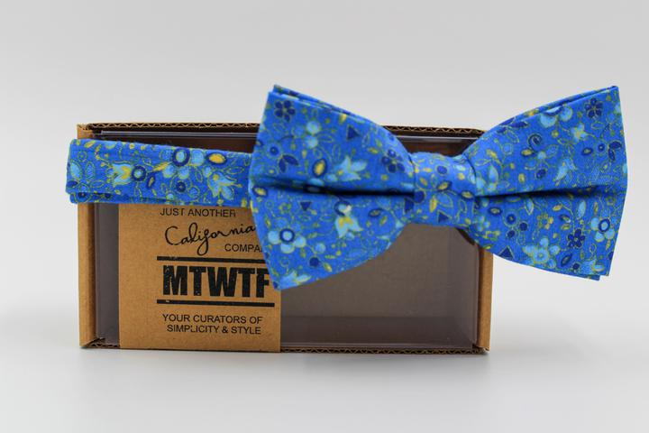 Skies of Blue Bow Tie Set