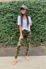 Load image into Gallery viewer, Stripe Camo Legging