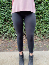 Load image into Gallery viewer, Black Leggings
