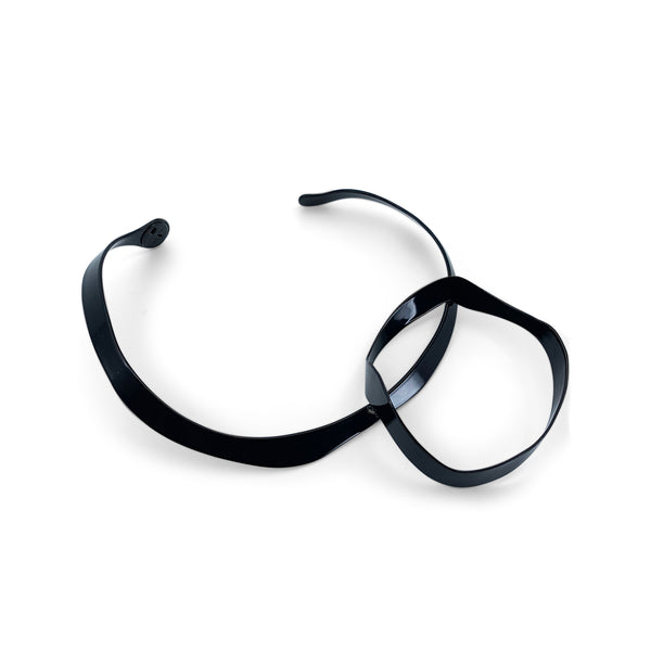 Circle Torque Necklace Black