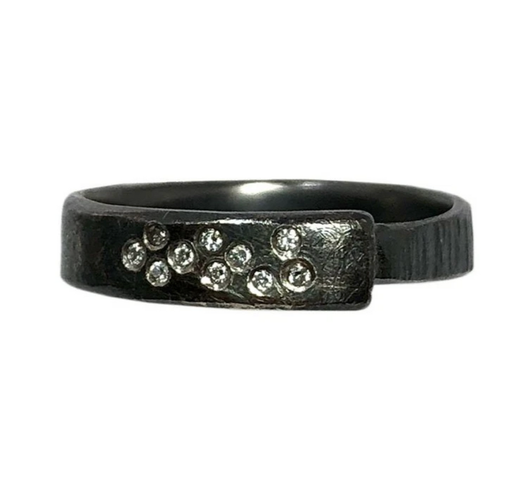 Luxe Aspen Oxidized Diamond Band