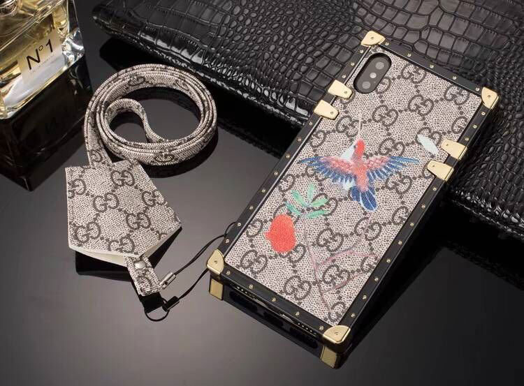 Birds GG Monogram Trunk Case w/ Earphone Holder
