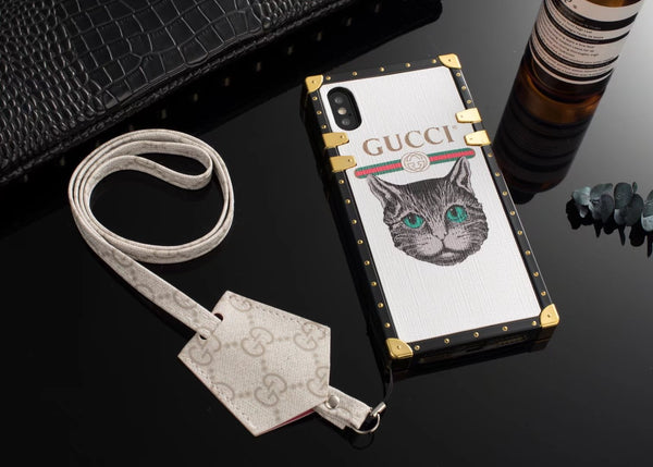 CUTE CAT GG TRUNK CASE W/ EARPHONE HOLDER