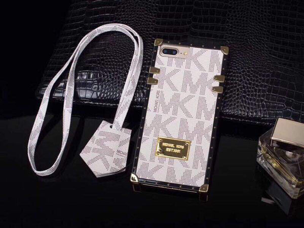 MK TRUNK CASE (WHITE & BLACK)