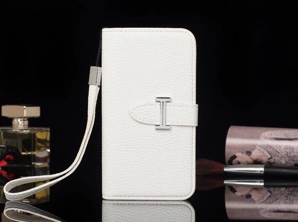 White wallet/Card Holder