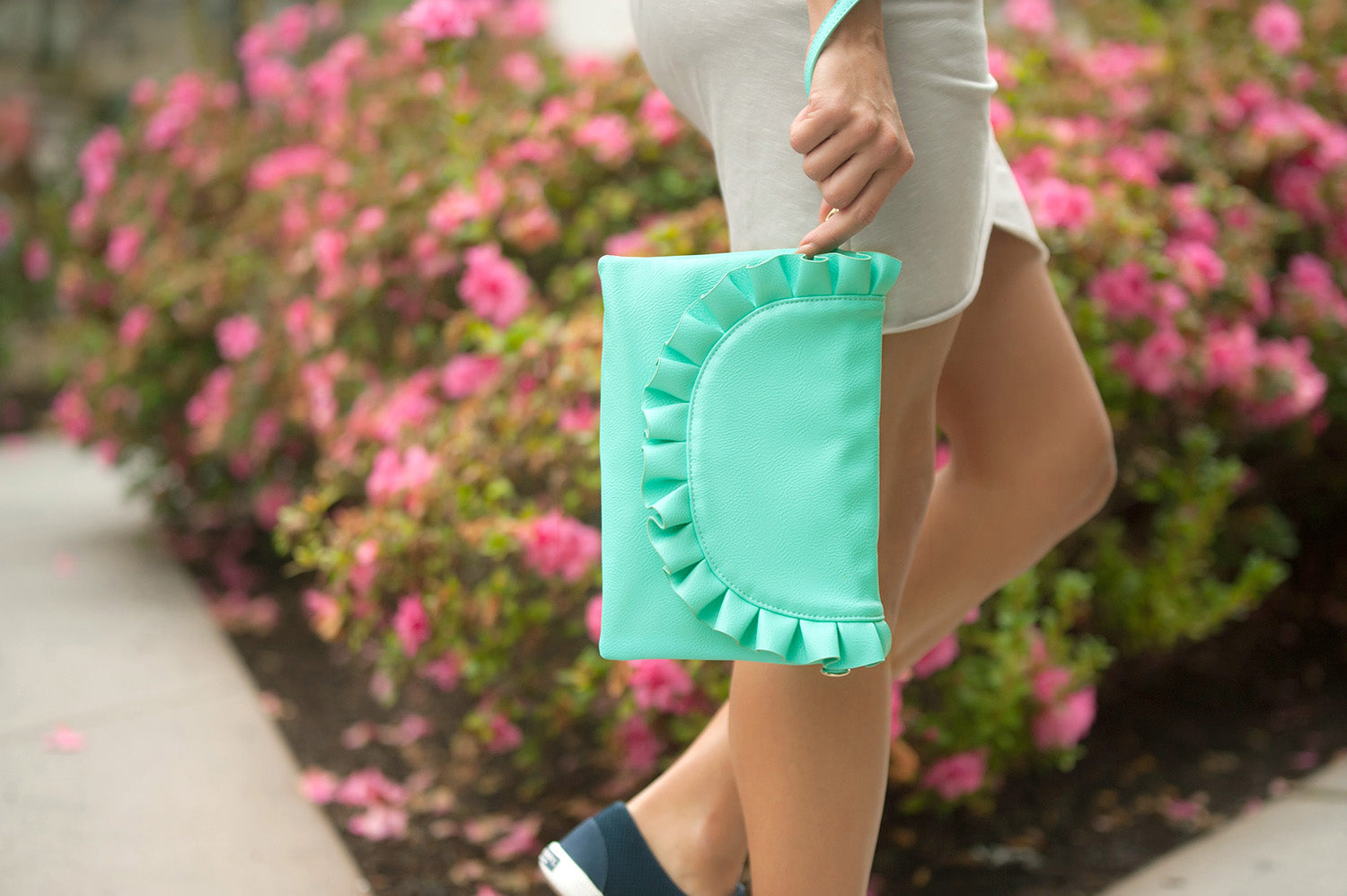 mint wristlet, purse, hand bag, spring, summer, viv & lou, www.tooquteboutique.com, too qute boutique