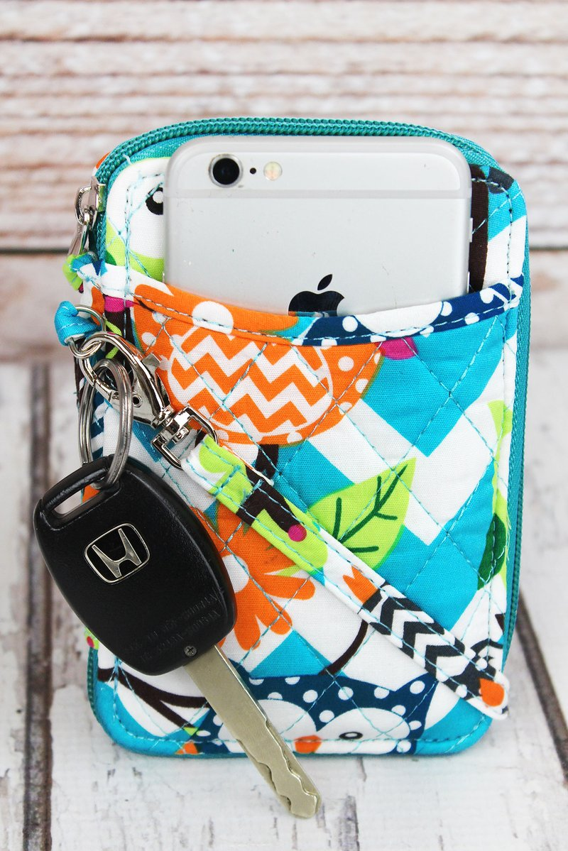 Aqua Chevron Owl Party Quilted Wristlet