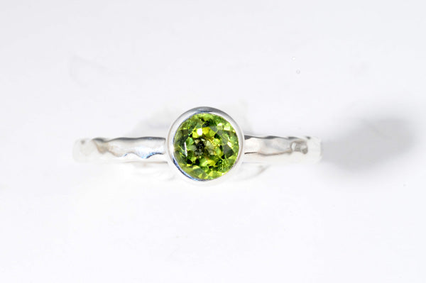 August Peridot stackable ring