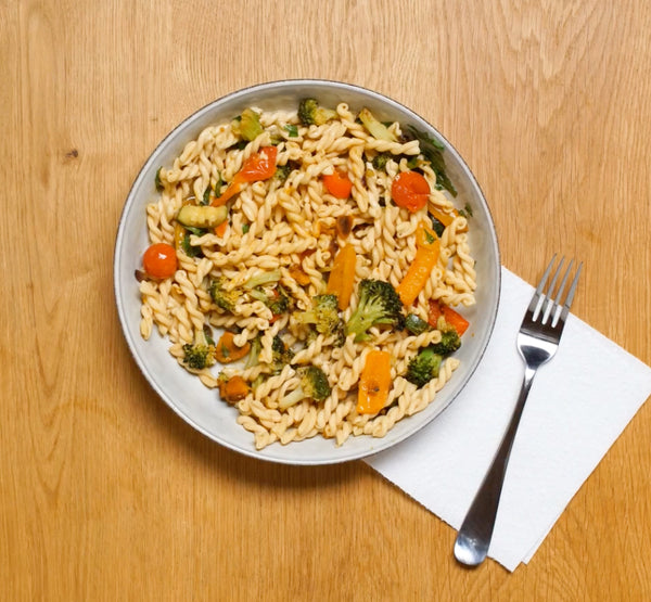 If You Gotta Eat at Your Desk, This Easy Pasta Salad (With a Special Ingredient) Is the Way to Go