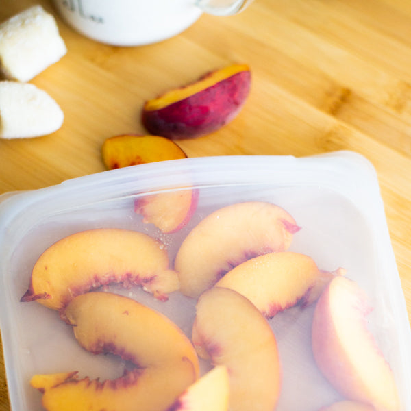 whole30 peach tahini smoothie recipe - stasher bag