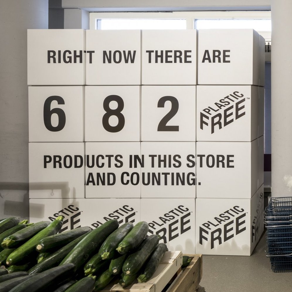 plastic-free shopping aisle in the Netherlands - The Dieline