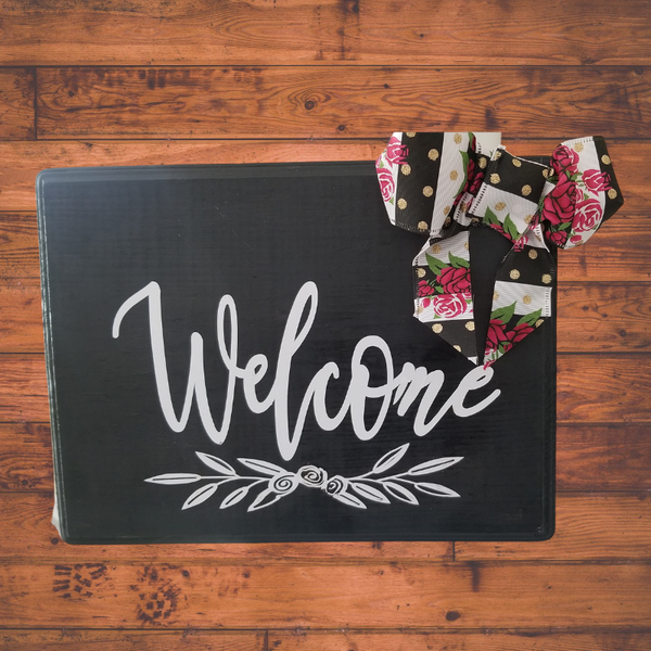 "Wood ""Welcome"" Door Sign"