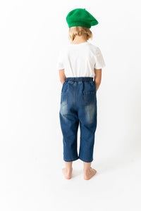 PLEATED PEG JEANS