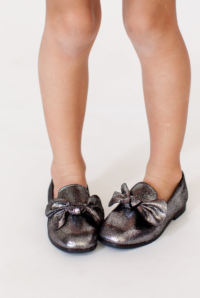 SILVER SPARKLE BOW FLATS