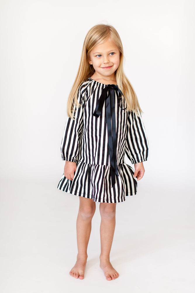 STRIPED BOW NIGHTGOWN