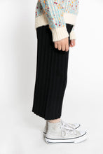 BLACK RIBBED PANTS