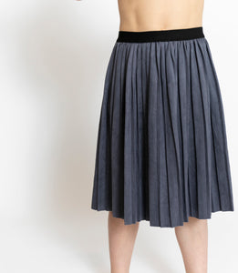 CHARCOAL PLEATED SKIRT
