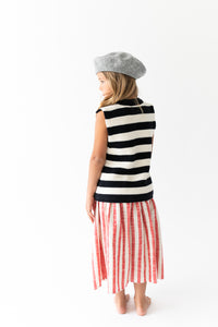 BLACK STRIPED SLEEVELESS SWEATER