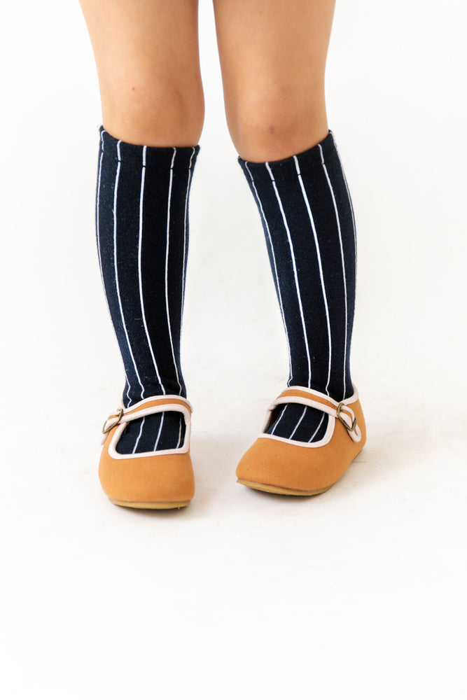 NAVY PINSTRIPE SOCKS