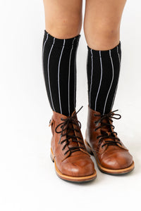 BLACK PINSTRIPE SOCKS