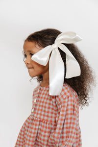CREAM BOW CLIP