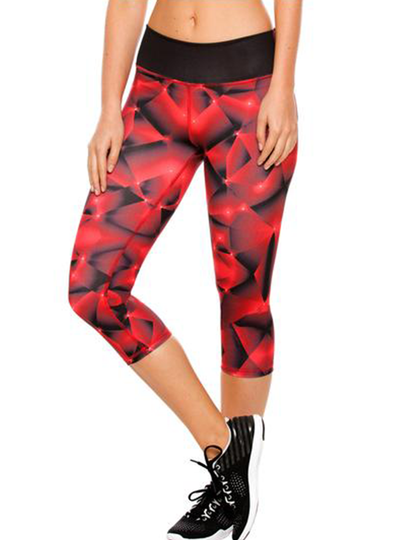 Flexmee Red Fractals Capri Capri Shorts For Exercises