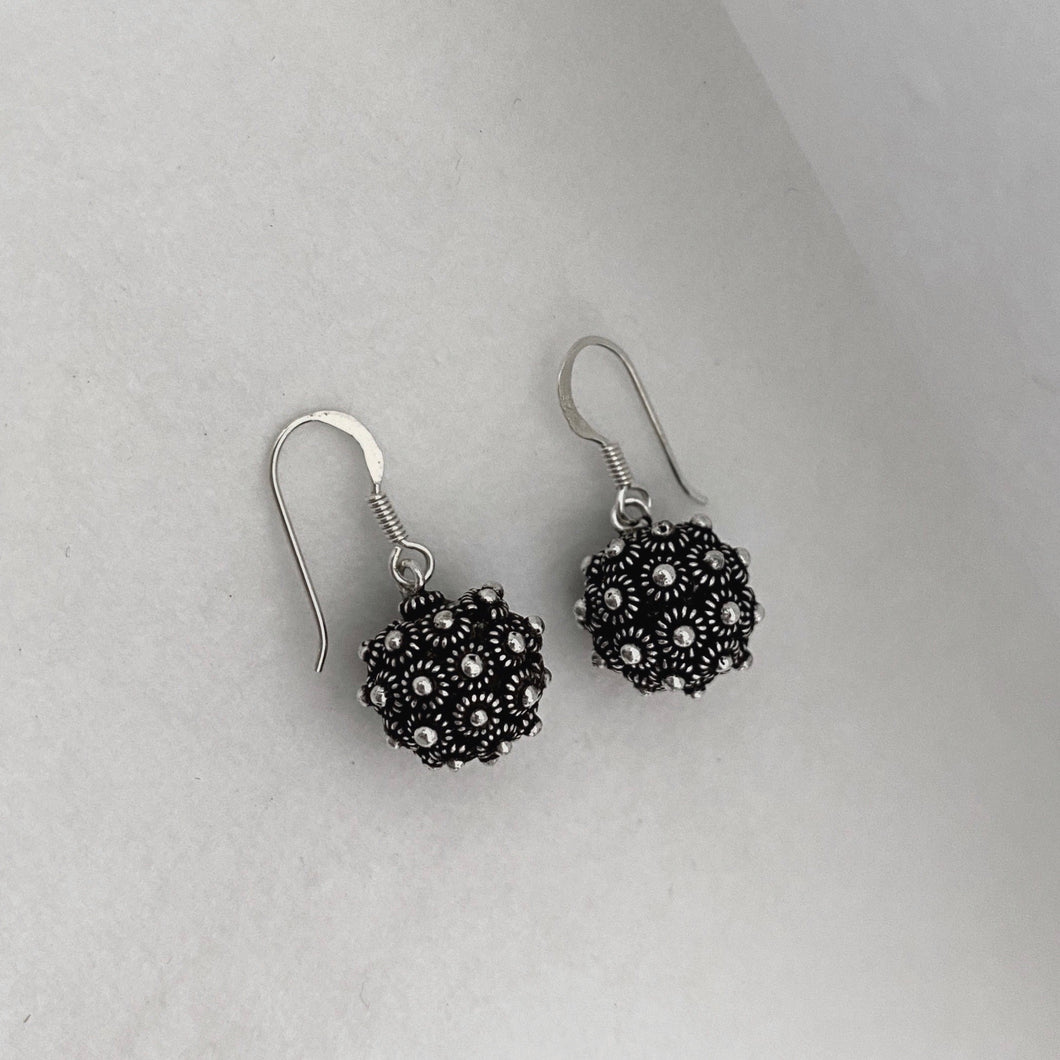 Noir • Classic Dok Phikoun Ball Earrings