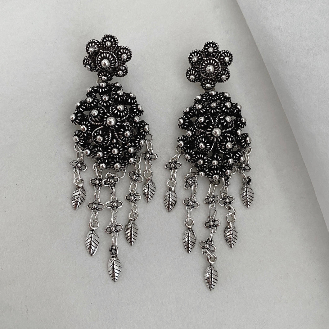 Noir • Classic Phikoun Queen Dangly Earrings in Large