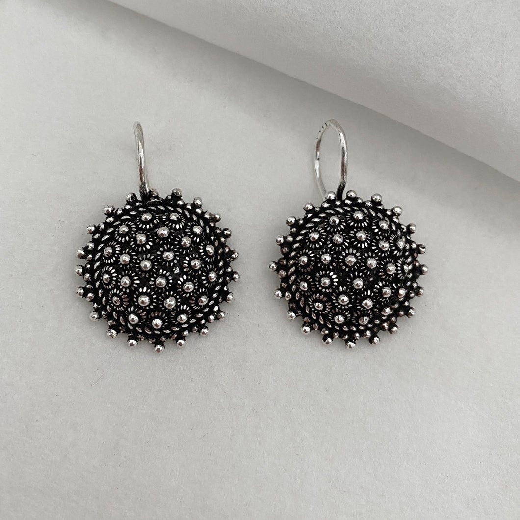 Noir • Classic Phikoun Starburst Hook Earrings