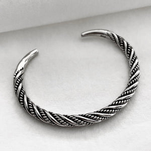 Hill Tribe • Akha Point Double Weave Bangle