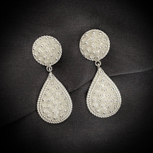 Blanc • Classic Grand Ceremonial Phikoun Stud Earrings