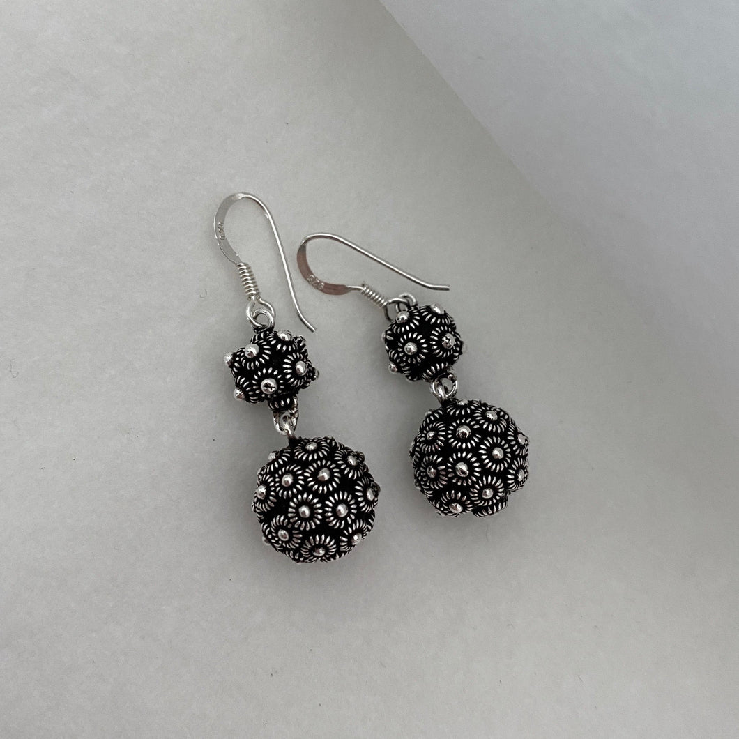 Noir • Classic Phikoun Double Drop Ball Earrings